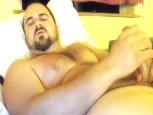Big dick beefy stud jerks off