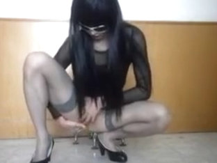 Sexy Amateur Tranny toying