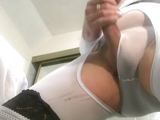 sensual wank on cam in white bodysuit