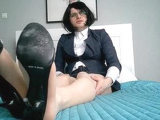 Leggy sissy slut