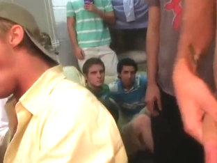 Straighty pledge gives head at frat party