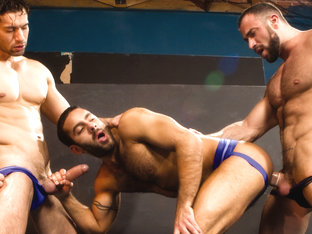 Spencer Reed & Alexander Garrett & Jason Michaels in It Gets Bigger, Scene #01