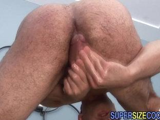 Jocks big schlong cums getting tugged