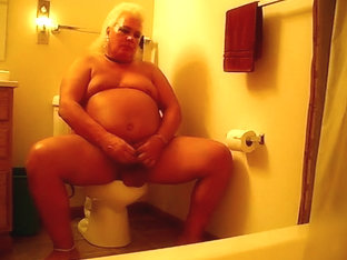 Potty time becums playtime