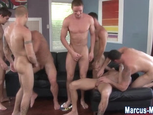 Muscly pornstar in gay orgy