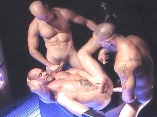 Big muscle hunks have blowjob and rimmjob