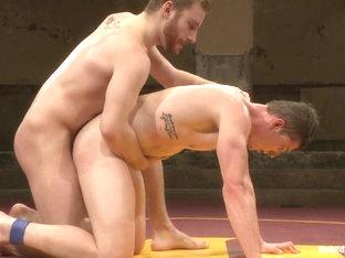 NakedKombat Will The Punisher Parks vs Sebastian The Tiger Keys