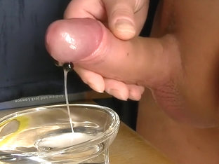 4 Freehand Cumshot with a lot of sperm by cummi0405