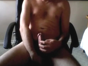 Filming guy stroking his cock on HMT