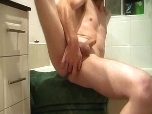 Red bonds Jack off in bath room