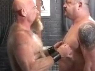Hank meets Rocky