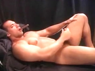 Bob Atlas Smoking Hunk