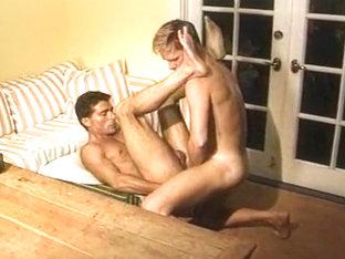 Hot Gay Couple Sucking and Banging