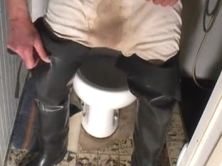 nlboots - toilet waders smoke