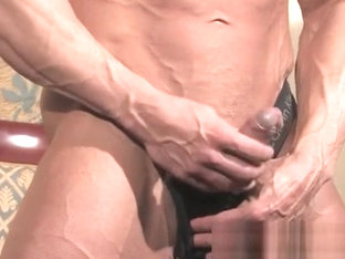 Muscle bodybuilder rimjob with cumshot
