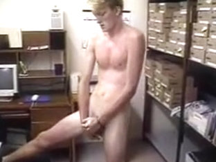 Straight skater twink jerking off