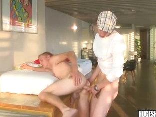 Big cock stud bareback fucks a pale ass