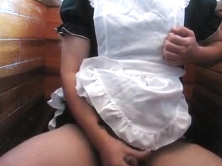 Crossdresser, Housemaid's onanism in restroom.(?????