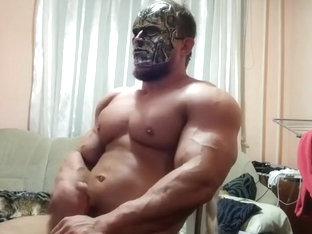 Massive Bodybuilder FrankenJacker Jerks Off on Cam