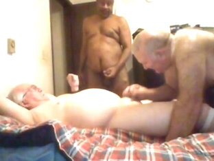 Threesome grandpa in bed