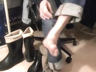 nlboots - aigle jodphurs, socks, exposed feet & bata wellies