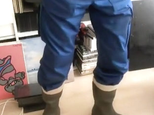 nlboots - green rubber hunting boots, had to piss