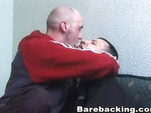 Hot kissing gay loves to fuck barebacking