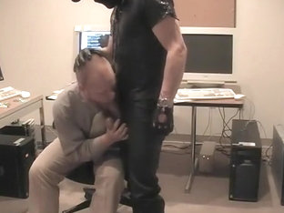 Submissive Guy Sucking Dick