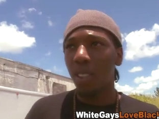 Amateur black thug sucks whitey