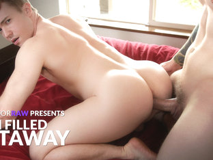 Gabriel Cross & Scotty Zee in Cum Filled Getaway - NextDoorWorld