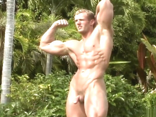 Nate Christianson aka David Hatfield - Naked flex and pose then shower