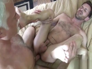 Silver Daddy enjoys barebacking a cub