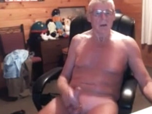 Old amateur gay is jerking dick on web camera