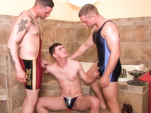 Cruz, Jaxon & Niko Military Porn Video