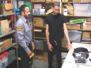 GayShoplifter - Dominant security guard banged a straight thief