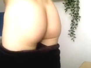 French Cute Friends Show Their Round Smooth Butts On Cam
