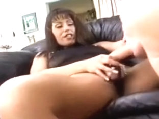 a woman fuck a man while sucking a big dick