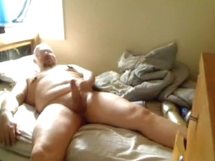 Bear uses his little brothers room to JO with Fleshlight