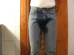 Pissing and jerking with cumming