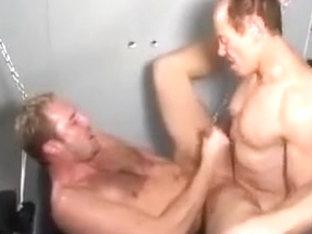 Spread bottom wants cock