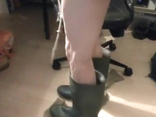 nlboots - green boots, naked