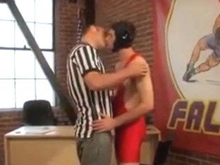 Cogiendose al Luchador