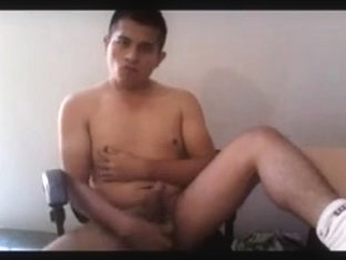 Man wanking and cumming by cam