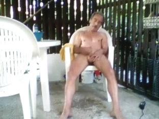 Schwanz rasieren  mit ihm Spielen und Abwichsen