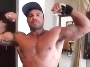 Str8 muscle men cum hard