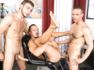 Alexander Greene & Kirk Cummings & Rodney Steele in Barber Shop Sex Part 2 Video - ExtraBigDicks