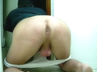 pretending 2 suck cock while offering up my asshole to a 2nd