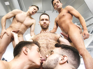Alex Neveo & Ethan Chase & Kit Cohen & Peter Pounder & Zack Hunter in Ass Controller Part 7 - MenN.