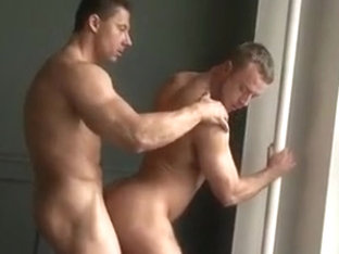 muscle guys hook up