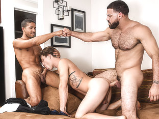Mike Maverick & Paul Canon & Ricky Larkin in Peepers Part 1 - DrillMyHole